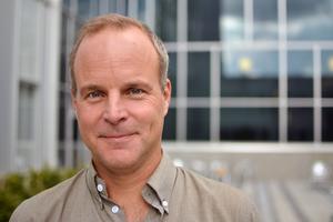 Henrik Overödder, chef för verksamhetsområde kvinnor/barn på Södertälje sjukhus. Foto: Pressbild