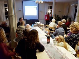 Susanne Zetterström Janérs och Tony Grönberg berättar om rodden 2018 i Sulkava. Foto: Nils-Olov Olsson