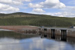 Trängsletdammen, och kraftverket ger många kronor till Fortum.