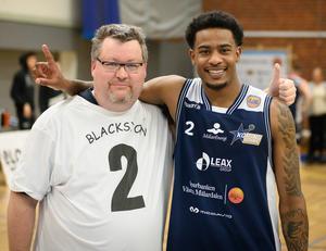 Per är ett stort fan av stjärnan Gary Blackston.