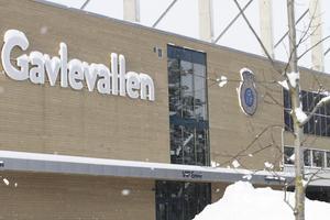 Snötyngda bokstäver skvallrar om att någon fotboll mellan GIF och Vasalund icke kunde spelas här på söndagen.