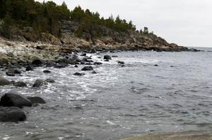 Åstön har en lång obruten kuststräcka.