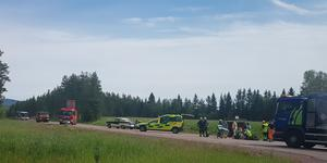 En cyklist skadades allvarlig efter att ha blivit påkörd av en motorcyklist på riksväg 70 norr om Älvdalen. Foto: Läsarbild