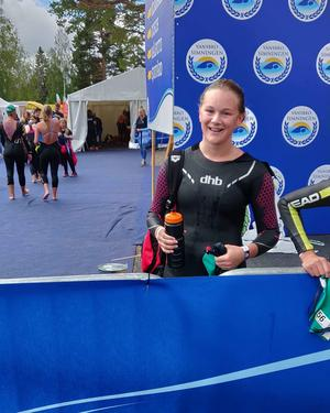 Vansbrosimningen har Nilea Ahlström gjort i fyra år. Första året deltog hon i ungdomssimmet och året efter det blev det tjejsimmet.