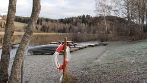 Badplatsen i Hamstasjön har tidigare skötts av  Kamratföreningen i Laggarberg.