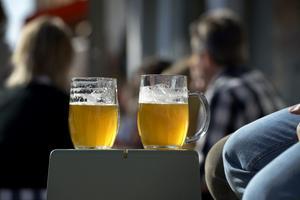 31 procent i åldern 18-34 år svarade i undersökningen att de drack alkohol varannan dag eller oftare.