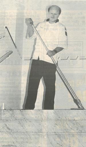 Inför valet 1994 stod det i tidningen att sjukgymnasten Stig skulle