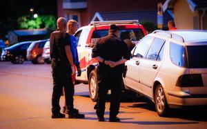 Offrets bil bärgas från platsen.