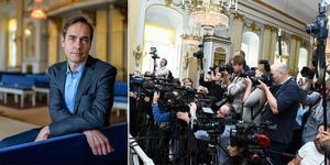 Mats Malm öppnade dörrarna klockan 13 och tillkännagav årets Nobelpristagare i litteratur. Foto: Anders Wiklund/TT (bilden är ett montage)