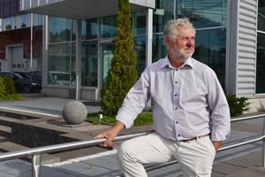 Peter Eriksson ser stora möjligheter med en fortsatt bredbandsutbyggnad, inte minst för alla som bor utanför städerna.