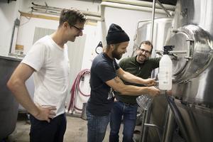 Än så länge så brygger Östersunds bryggerier i det gamla bryggverket. Det nya förväntas vara installerat och klart kring jul.