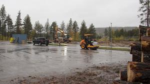 Bygget av den nya Padelhallen startade under förra veckan. I samma byggnad kommer även Timrås nya bilprovningsanläggning att ligga.