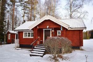 Detta fritidshus i Hillbo, Ludvika kommun, kom tvåa på Klicktoppen för vecka 2.Foto: Riksmäklaren