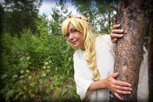 Älvan Senapskorn, spelad av Ellinor Jonsson.