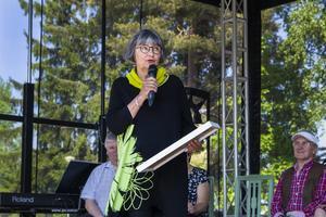 Eftersom filmklubbens ordförande Tina Mansson Söderlund inte kunde närvara vid prisutdelningen fick styrelseledamoten Kajsa Steiner rycka in.