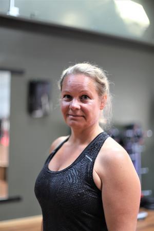 Marie Nilsson har tränat på det här gymmet sedan ett år tillbaka, och har testat på både de virtuella cykelpassen och styrkepassen.