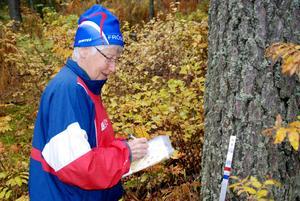 84-åriga Ulla Jakobsson har varit flitig att ta kontroller i sommar.