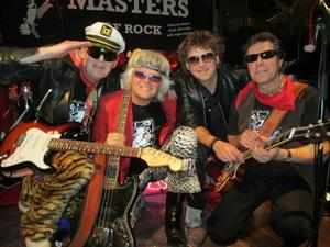"""Masters. Bjuder på """"stand-up-boogie-rock"""" på CC-puben."""