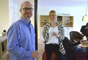 Platschef Lars-Olof Persson och informationschef Linda Kinell är nöjda med etableringen.
