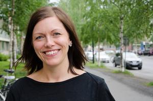 Lina Liljestam, arbetsmarknadshandläggare vid Östersunds kommun, ser kommunens feriepraktik som  en viktig del i att prova på arbetslivet och få erfarenhet av olika yrken.