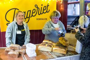 Bageriet i Vemdalens sålde slut på det mesta de hade med sig, berättar Camilla Svensson och Catharina Hellström.