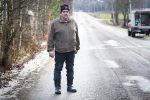 Anders Backström ställer sig frågande till varför saltbilen inte skickats ut tidigare.