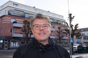 Björn Flink, 51 år, Ledinge: –Det är ett lyft för hela Norrtälje! Betydligt roligare än de silos som stod där innan. Jag känner ett par personer som köpt lägenhet där faktiskt.