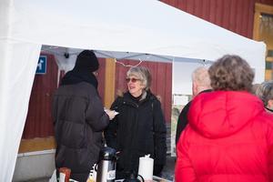 På torsdagseftermiddagen intervjuades Genetabor vid Vasa handelsplats för kommunens räkning. De boendes synpunkter används i den strukturplan för området som kommer att vara klar om några månader.