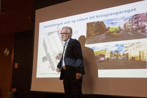 Kanaltorget ska bli en plats där det är trevligt att vänta på bussen. Mats Johannesson presenterade kommunens planer för stadskärnan under ett frukostmöte för företagare.