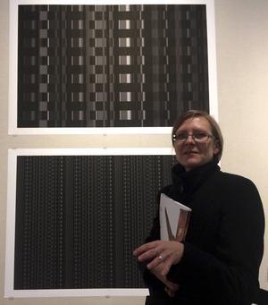 Marta Anna Raczek-Karcz, president för International Print Triennial Society i Krakow, fanns på plats när utställningen öppnade på Dalarnas museum.