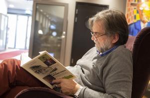 Jens Ahlbom har drömt om att få göra en  bok med reseskildringar.