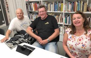 Radio Krokoms programgrupp med, från vänster, Ambjörn Sandler, Kjell-Erik Jonasson (programledare) och Carina Grahn Hellberg (ordförande). Foto: Mats Hurtig