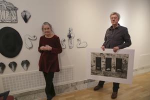Kia Kullander och Lars Östling gör i Ludvika något de aldrig gjort förut – har en utställning tillsammans.