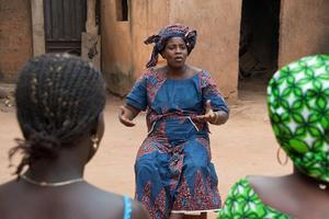 Aragaw Muiv är en av deltagarna i det trädplanteringsprojekt som The Hunger Project driver i Machakel, Etiopien, i syfte att öka matsäkerheten för de boende i området och återskapa den biologiska mångfalden. Foto: Johannes Odé