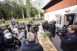Vid Sågarbo herrgård bjöds det på fika innan vandringen tog avstamp.