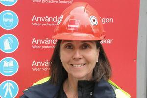 Pia Hjalmarsson, projektledare för Stena Renewable och vindkraftsparken i Kilsbergen berättar att vindkraftstornet ska bärgas.