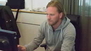 Sedan i maj 2018 har Mathias Månsson varit anställd som säljare hos MittMedia. Något han nu planerar att fortsätta med när han tagit sina sista skridskoskär som spelare.