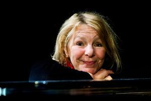 Elise Einarsdotter har uppträtt på Oktoberteatern flera gånger tidigare.