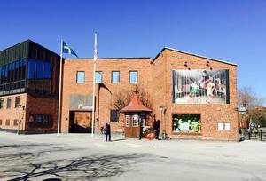 Foto: Anders Norin. Stiftelsen Dalarnas Museum har knappt 50 anställda. Nu minskas bemanningen med åtta tjänster, varav fem sägs upp.