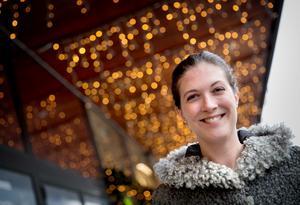 Charlotte Runius är vd för begravningsbyrån Fenix som erbjuder jordfästningar bland stjärnorna.