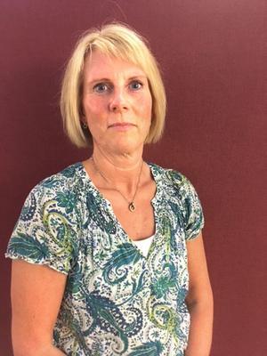 Pernilla Jernström, i Kvicksund tycker det är synd att det fria resekortet inte går att använda i Kvicksund. Foto: Privat