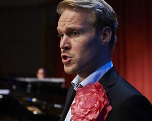 Barytonen Karl Peter Eriksson, med ursprung i Borlänge, har fått Göteborgs stads kulturstipendium för sitt engagerade nytänkande inom operan. Foto: Per T Buhre.