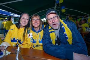 Ida tillsammans med mamma Lena och pappa Anders. Bild: Privat