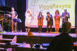 Hyllningen till alla musiklärare är ett nummer som köpts in och lokalanpassats efter att det rönt framgångar under fjolårets revy-SM i Östersund.