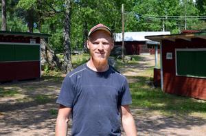 Folkparken med de gamla kioskerna anses ha ett stort kulturhistoriskt värde – och Joel Gustafsson hoppas att den genom en nysatsning ska fortsätta att vara en viktig arena för kultur- och nöjeslivet i kommunen.