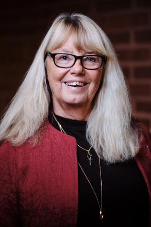 Britt-Mari Bardon (V), 68 år, Kommunstyrelsen, Utbildningsnämnden.