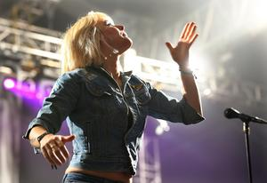 Maja Ivarsson från The Sounds spelar i Furuviksparken i helgen.