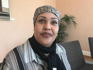 Fatima Ibrahim är partisekreterare i oppositionspartiet Waddani i Somaliland.  – För sex sju år sedan fanns det över 20 organisationer för mänskliga rättigheter i Somaliland. Nu har vi bara en. Och ja, det beror på trycket uppifrån, säger hon.