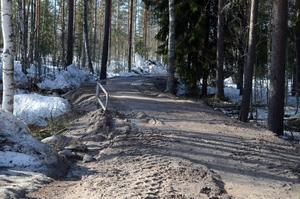 Nu har Norlinvallen höjts en halvmeter för att klara det akuta läget under vårfloden.