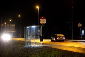 Busshållplatsen på Skogmursvägen.